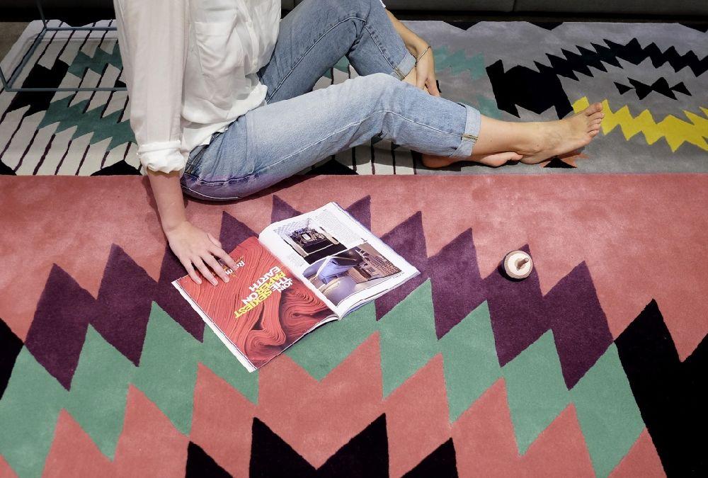 adelaparvu.com despre covoare de lana, designeri Andreea Batros si Flavia Scinteanu, Dare to Rug, model Ironic 3