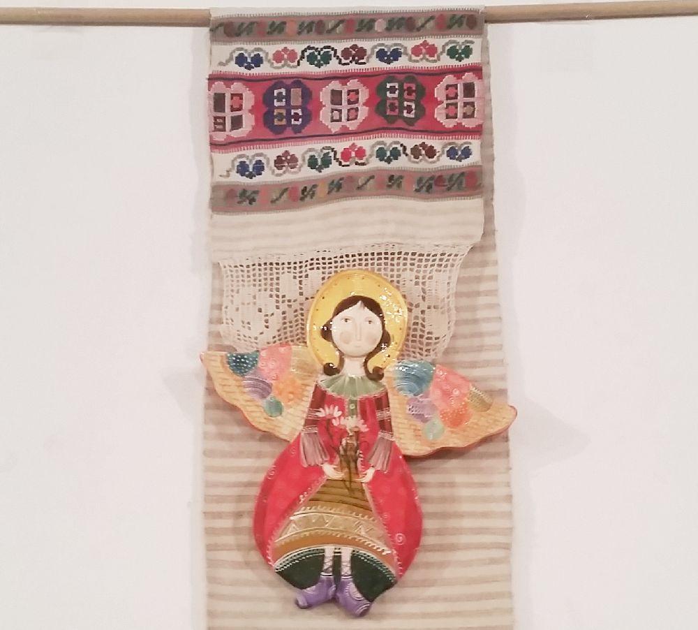 adelaparvu.com despre expozitia Ingerasii din povestea mea, Carturesti Verona, artist Beatrice Iordan (10)