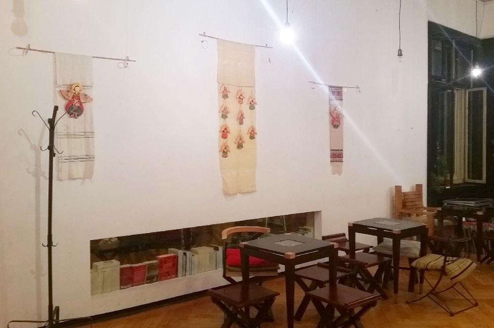 adelaparvu.com despre expozitia Ingerasii din povestea mea, Carturesti Verona, artist Beatrice Iordan (12)