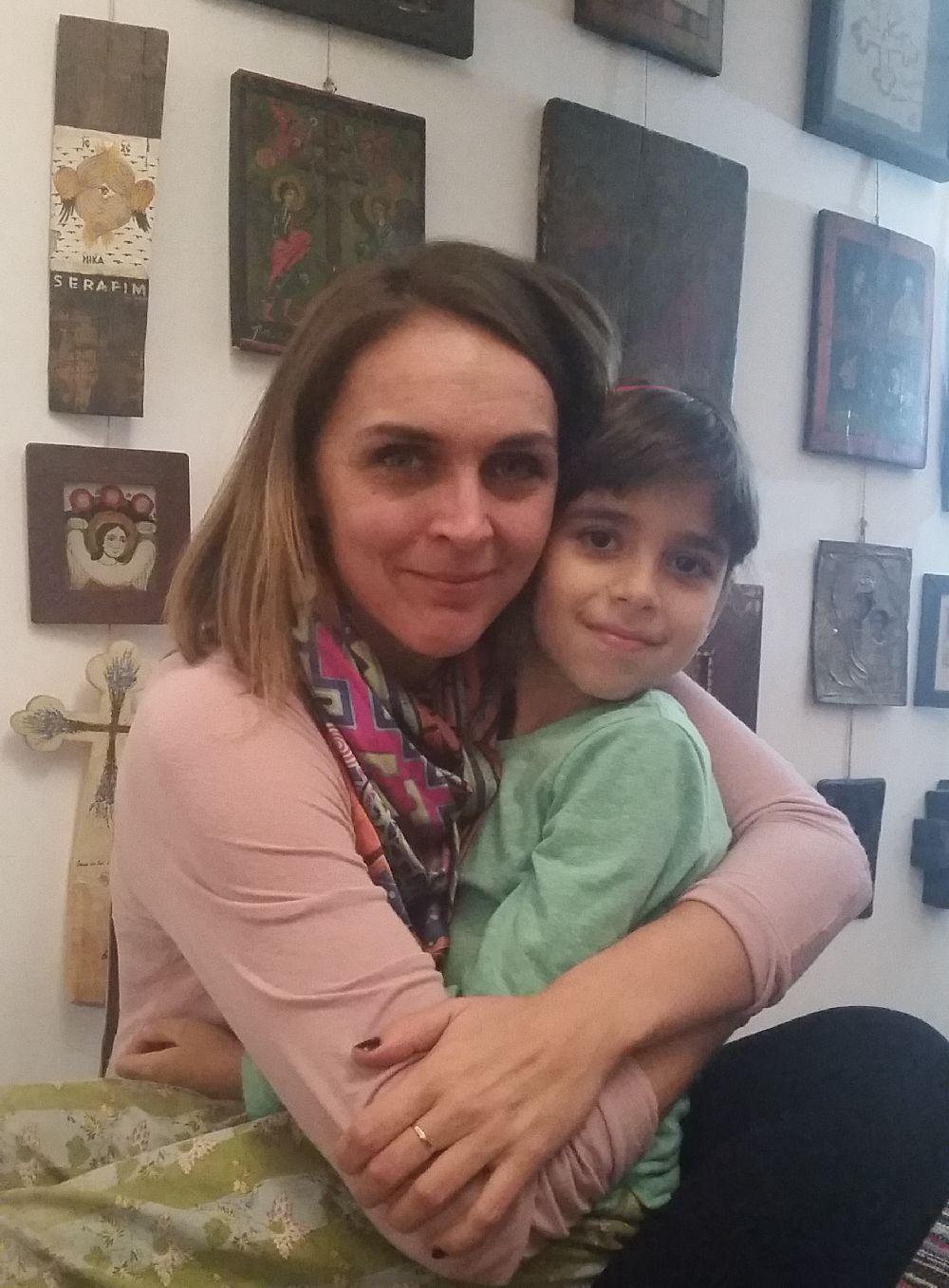adelaparvu.com despre expozitia Ingerasii din povestea mea, Carturesti Verona, artist Beatrice Iordan (4)