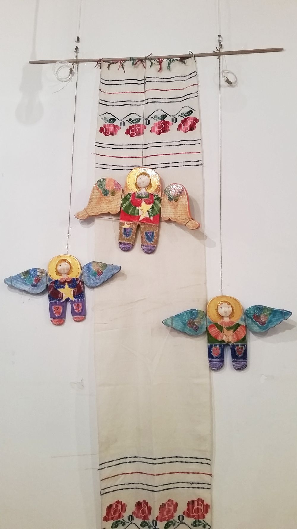 adelaparvu.com despre expozitia Ingerasii din povestea mea, Carturesti Verona, artist Beatrice Iordan (9)