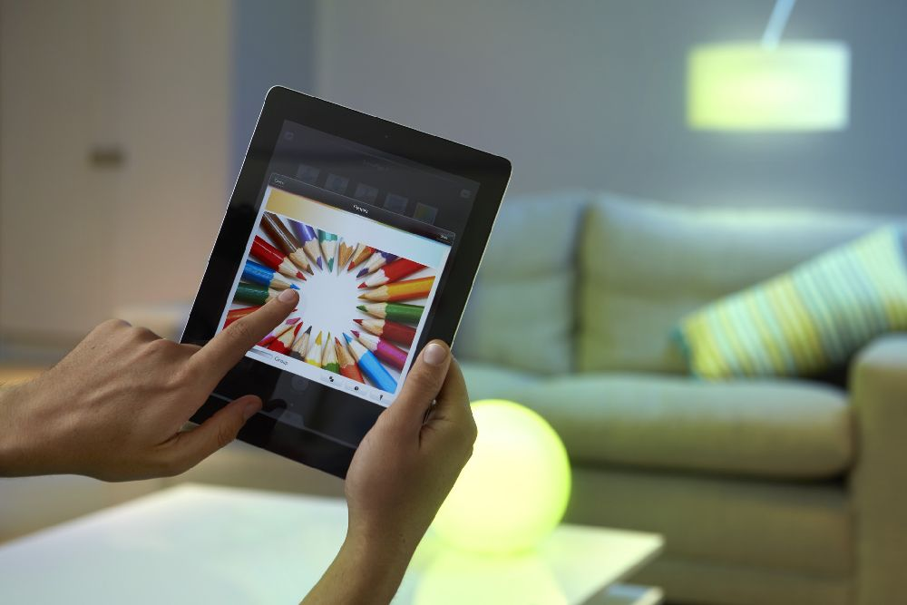 adelaparvu.com despre Philips Hue, sistemul de iluminat care coloreaza spatiile (5)