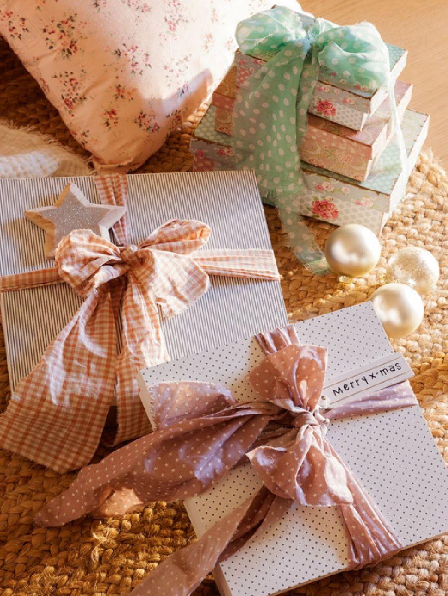 adelaparvu.com despre casa decorata de Craciun in alb si auriu, designer Silvia Rademakers, Foto ElMueble (12)