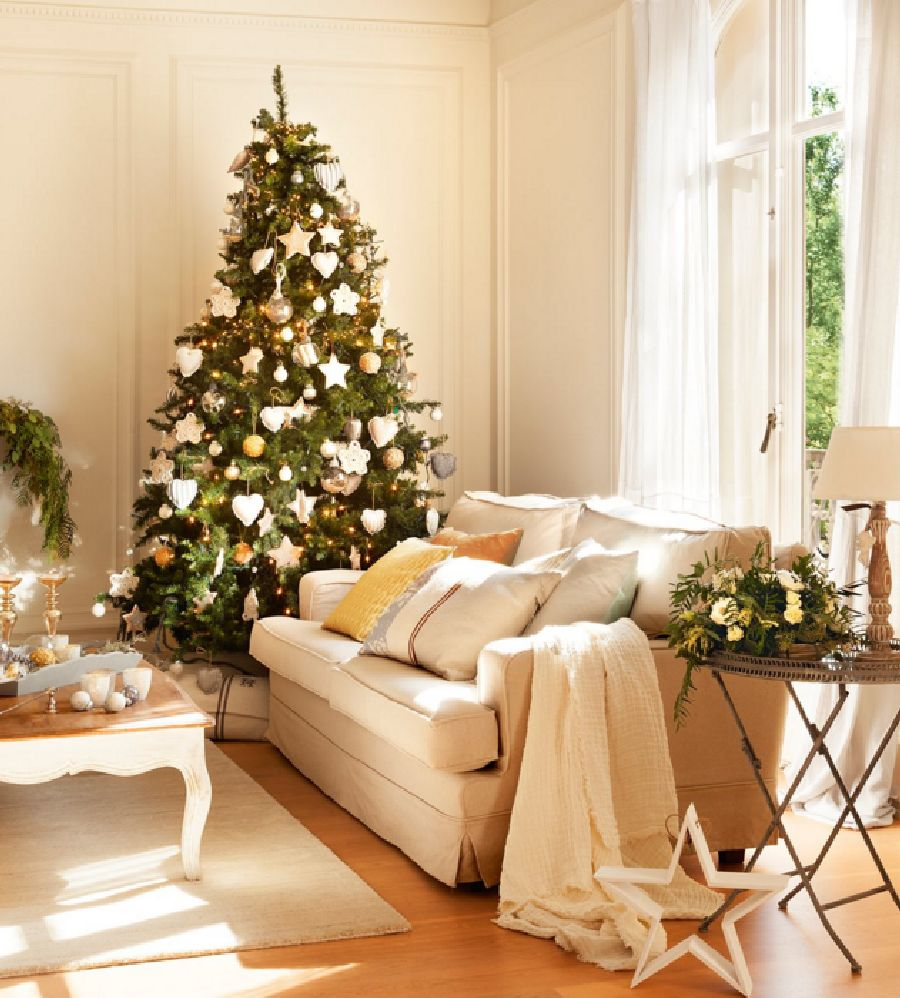 adelaparvu.com despre casa decorata de Craciun in alb si auriu, designer Silvia Rademakers, Foto ElMueble (5)