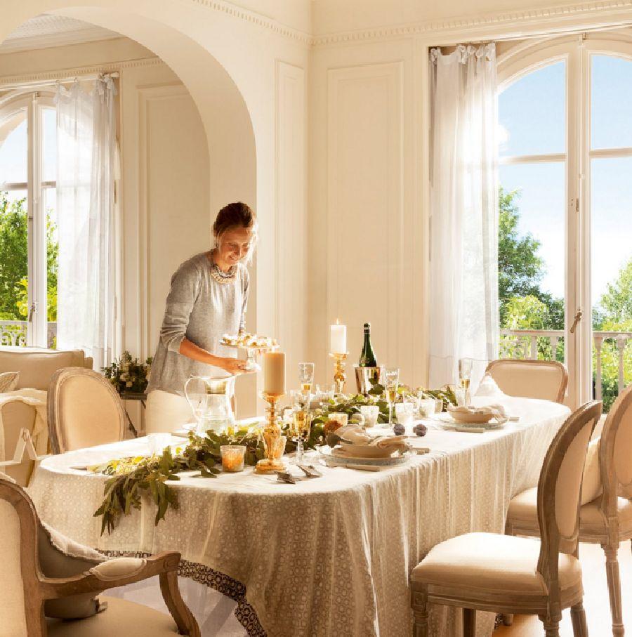adelaparvu.com despre casa decorata de Craciun in alb si auriu, designer Silvia Rademakers, Foto ElMueble (8)