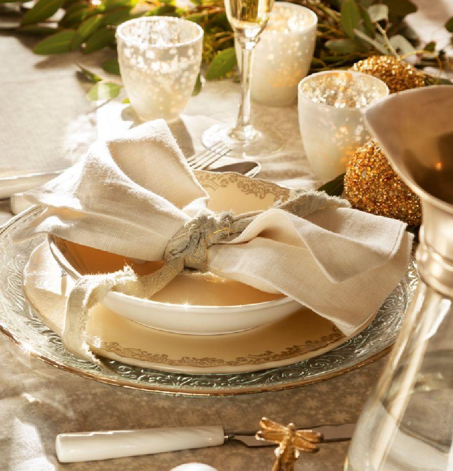 adelaparvu.com despre casa decorata de Craciun in alb si auriu, designer Silvia Rademakers, Foto ElMueble (9)