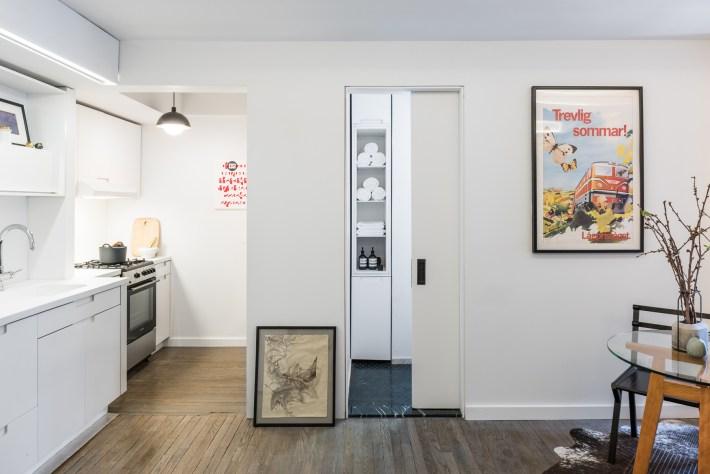 adelaparvu.com despre garsoniera 36 mp cu perete culisant, 5to1 apartment, design MKCA (9)