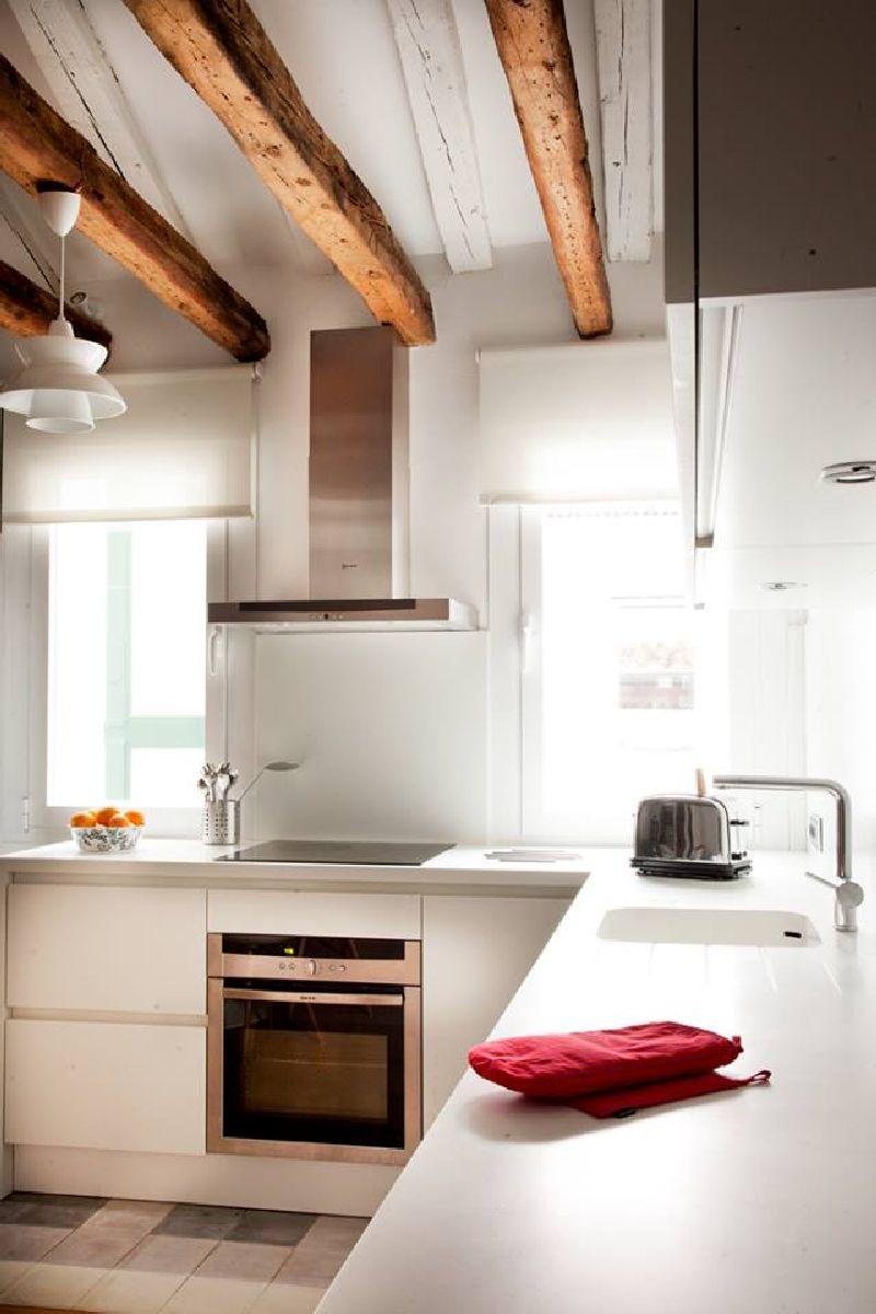 adelaparvu.com despre locuinta la mansarda cu camere mici, design interior P.Apls Arquitectos, Foto ElMuelbe (1)