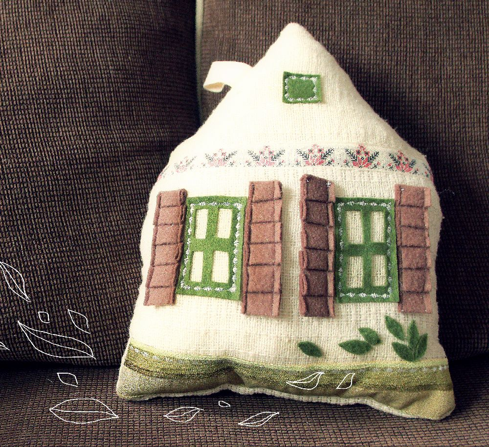 adelaparvu.com despre perne in forma de case, designer arh.Ioana Zdralea, model Perina Ardeal - House of leavesa