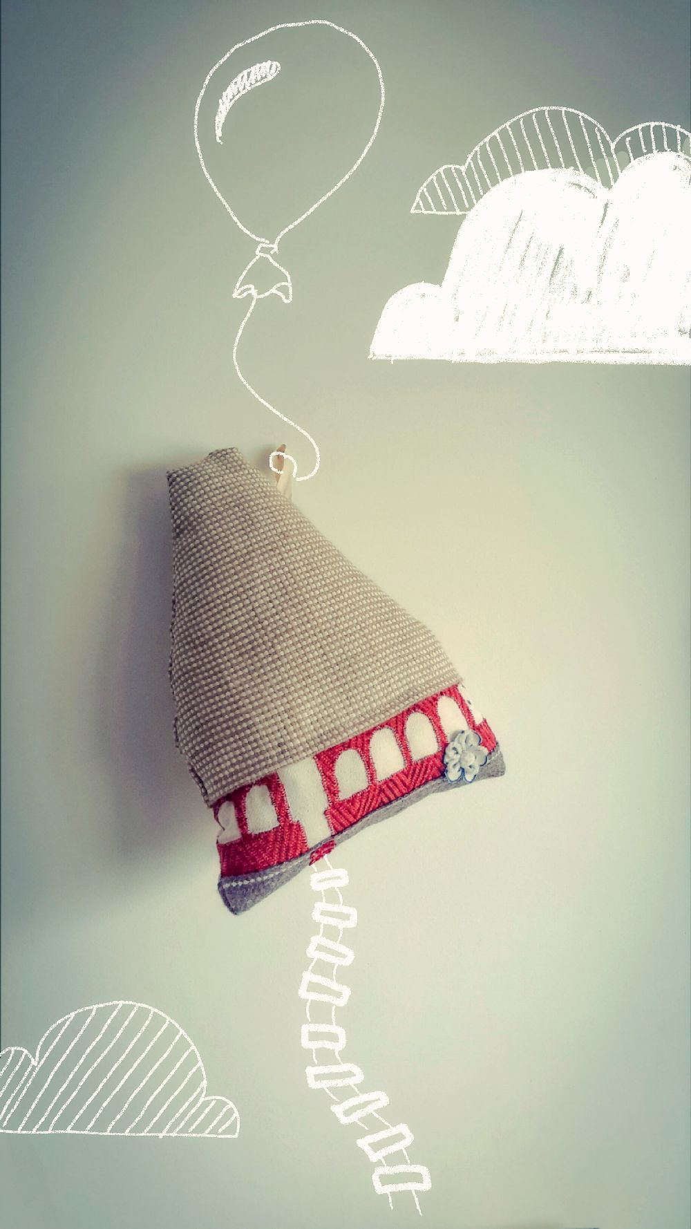 adelaparvu.com despre perne in forma de case, designer arh.Ioana Zdralea, model Perina Bojdeuca