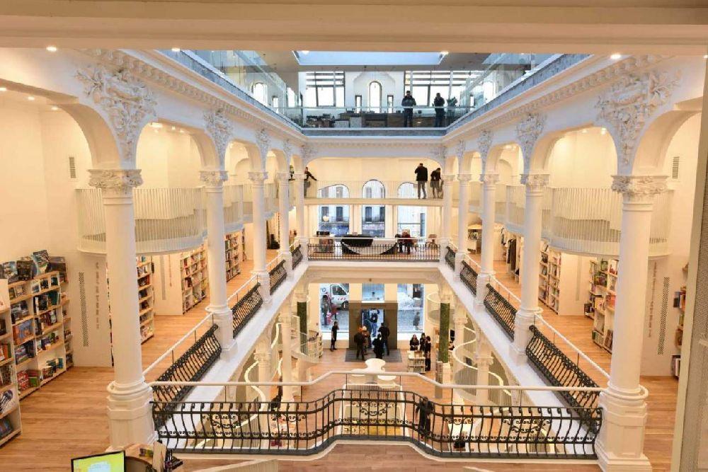 adelaparvu.com despre premiile Elle Decoration 2015, Libraria Carturesti Carusel, design interior Square One 2