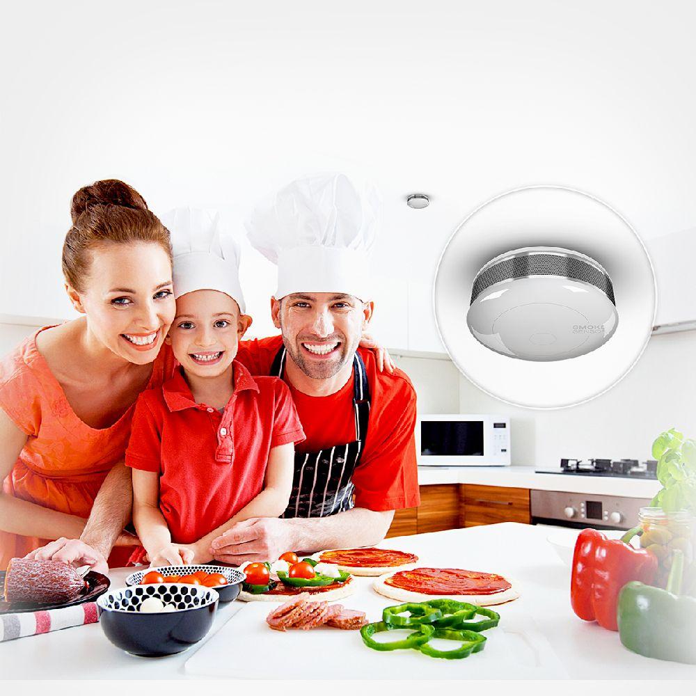 adelaparvu.com despre solutia de monitorizarea a casei prin telefonul mobil Orange Smart Home, senzor-fum