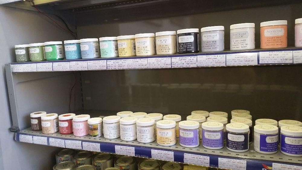 adelaparvu.com vopsea decorativa pentru PAL, lemn, sticla, metal Americana Decor Chalk Paint de la magazinul Culori si Idei (1)