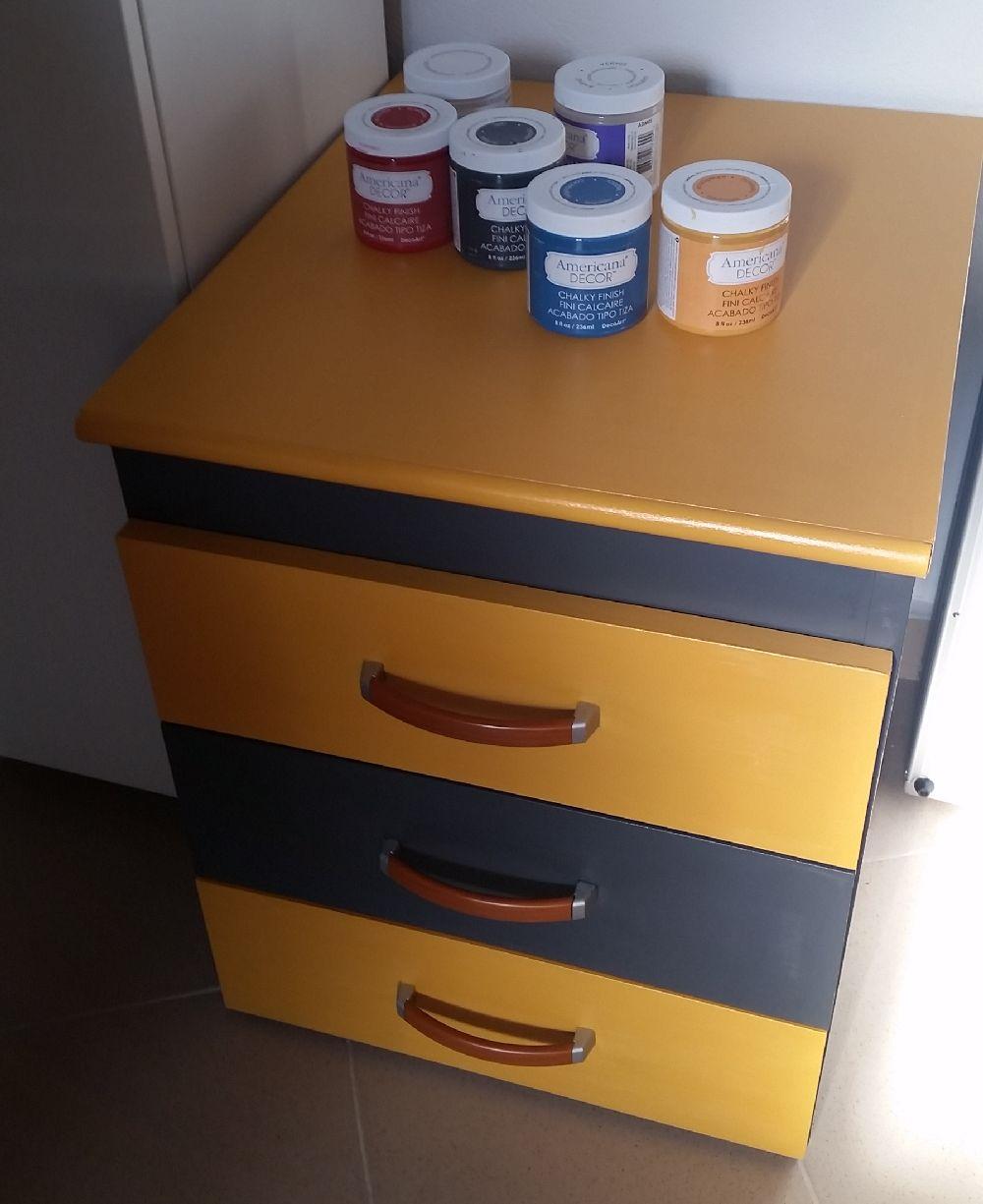 adelaparvu.com vopsea decorativa pentru PAL, lemn, sticla, metal Americana Decor Chalk Paint de la magazinul Culori si Idei (5)