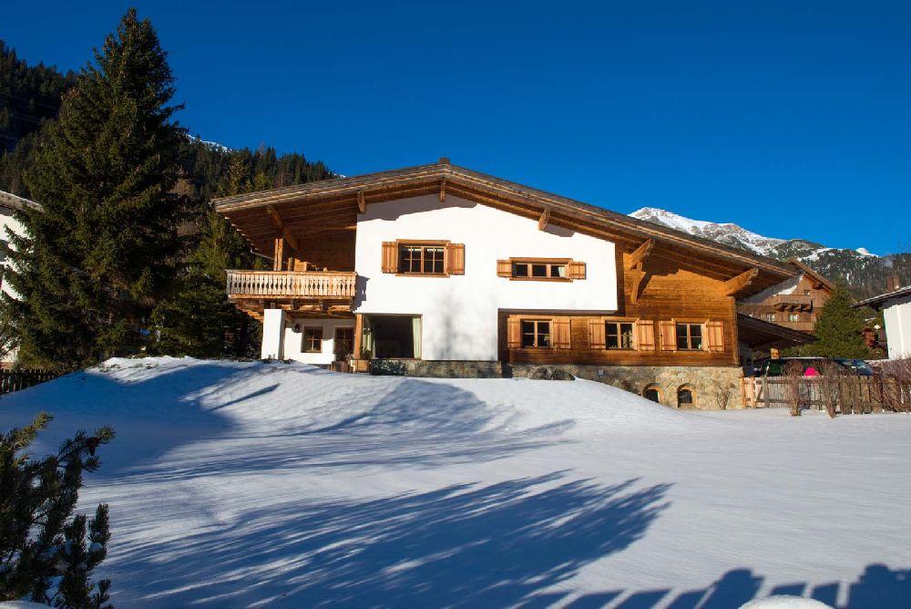 adelaparvu.com despre Chalet Maria Schnee, Austria, Foto Ski-Boutique (1)