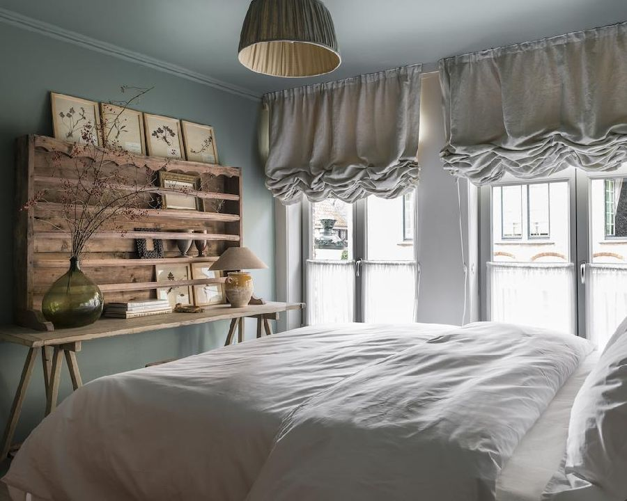 adelaparvu.com despre apartament la mansarda in stil rustic, Bruges, Apartment Dijver (1)
