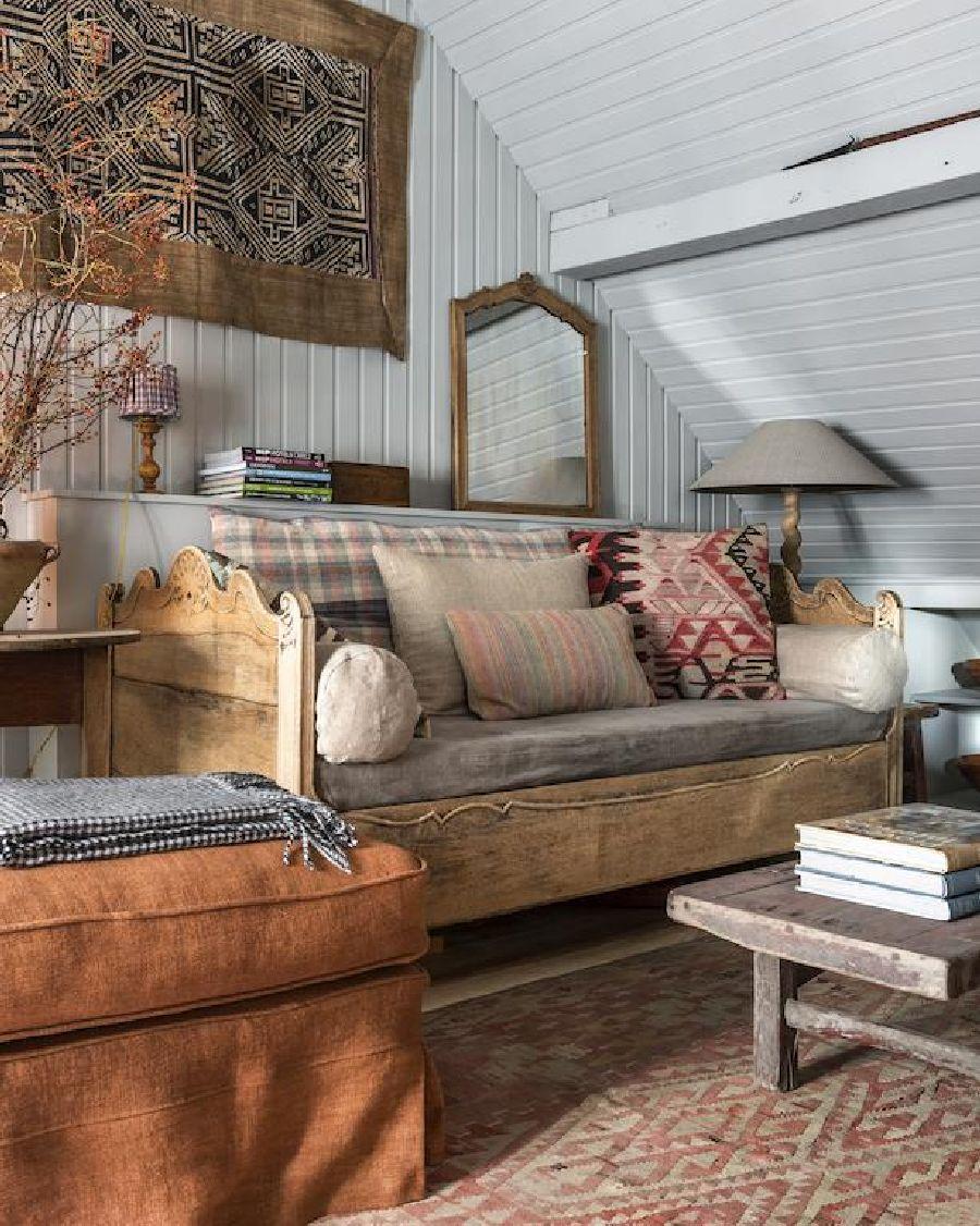 adelaparvu.com despre apartament la mansarda in stil rustic, Bruges, Apartment Dijver (11)