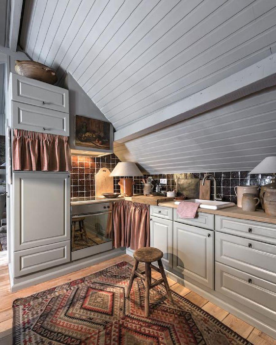 adelaparvu.com despre apartament la mansarda in stil rustic, Bruges, Apartment Dijver (13)