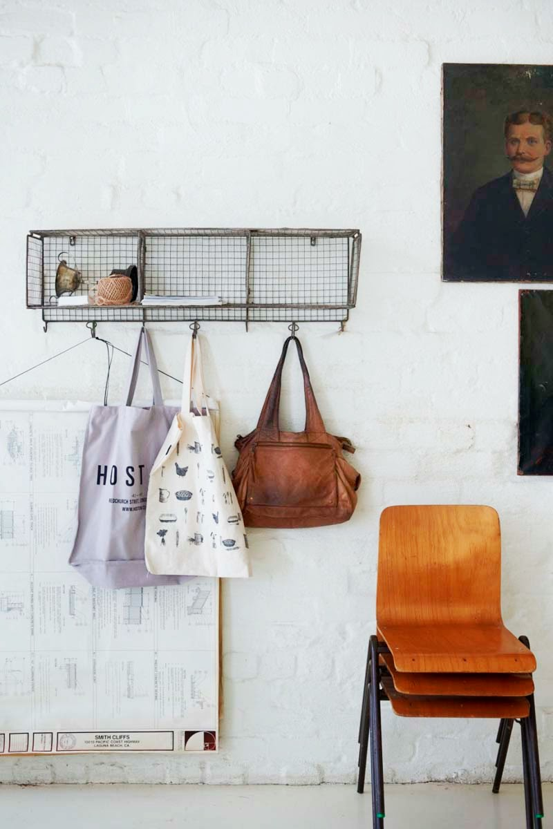 adelaparvu.com despre casa in fosta fabrica, Australia, designer Lynda Gardener, Foto Mikkel Yang (4)