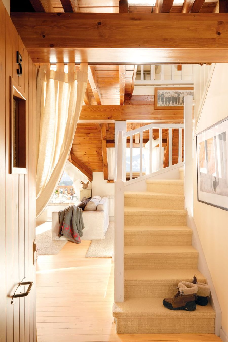 adelaparvu.com despre casa montana decorata in alb, casa Spania, designer Mercedes Alvarez de Toledo, Foto ElMueble (10)