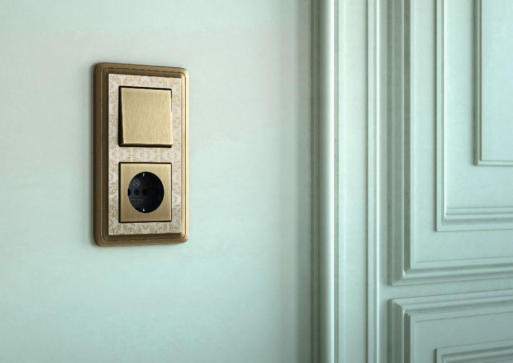 adelaparvu.com despre intrerupatoare si prize pentru case clasice, Gira colectia ClassiX Art (5)