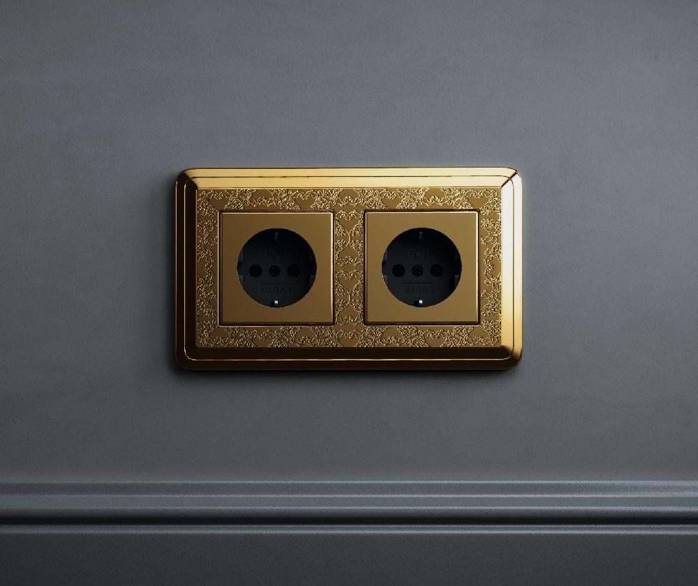 adelaparvu.com despre intrerupatoare si prize pentru case clasice, Gira colectia ClassiX Art (7)