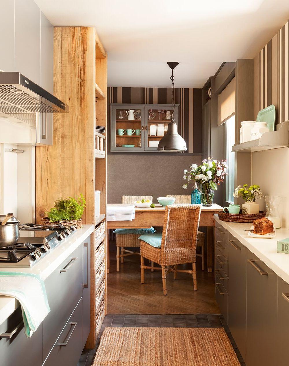 adelaparvu.com despre locuinta parter si mansarda in stil combinat clasic si rustic, designer Jeanette Tresing, Foto ElMueble (2)
