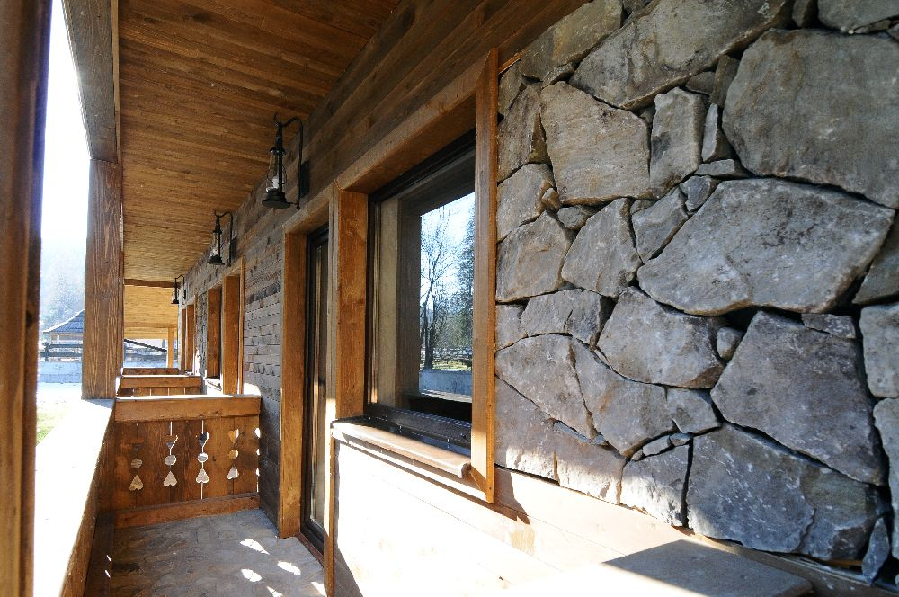adelaparvu.com despre pensiunea Bio Valeputna, Valea Putnei, judetul Suceava (3)