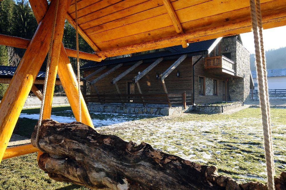 adelaparvu.com despre pensiunea Bio Valeputna, Valea Putnei, judetul Suceava (6)