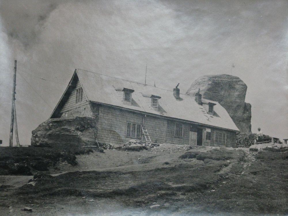 Copyright Alpin Photo Festival 2016, Predeal, Cabana Omu din Bucegi ,1908