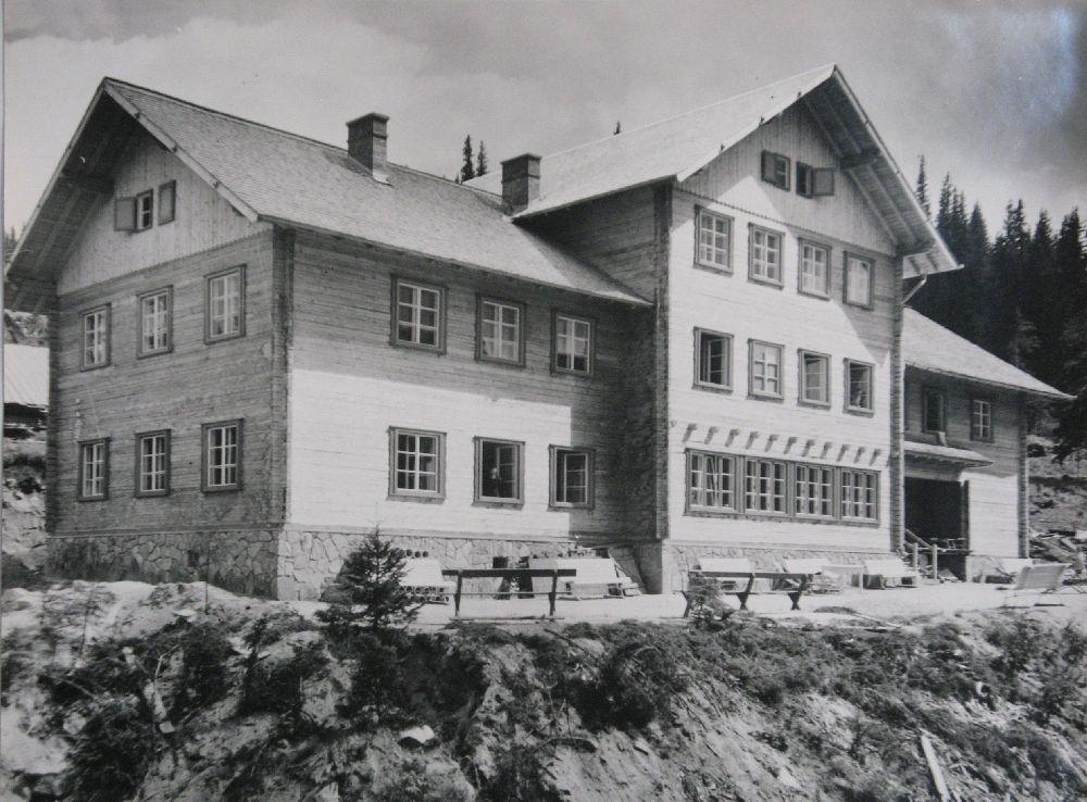Copyright Alpin Photo Festival 2016, Predeal, Casa SKV de pe Paltinis, 1943