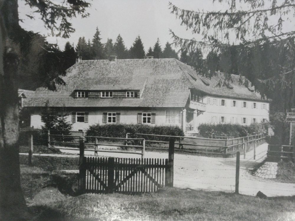 Copyright Alpin Photo Festival 2016, Predeal, caban Höhnheim SKV din Poiana Brasov, 1924
