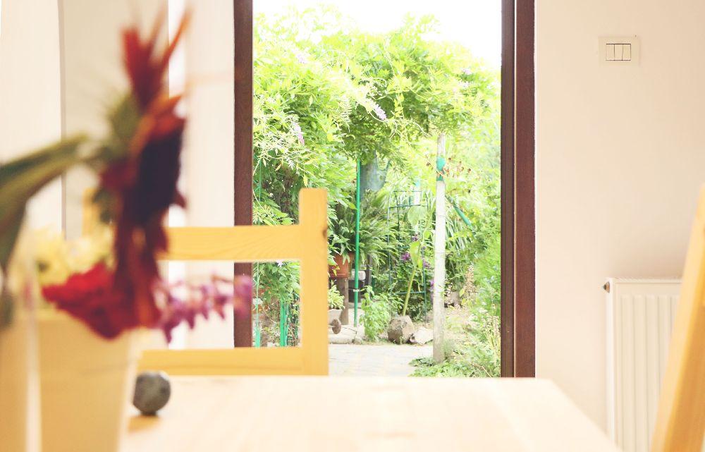 adelaparvu.com despre Garden Studio Timisoara, garsoniera 35 mp cu gradina, design Alexandru Damian si Olimpia Onci (35)