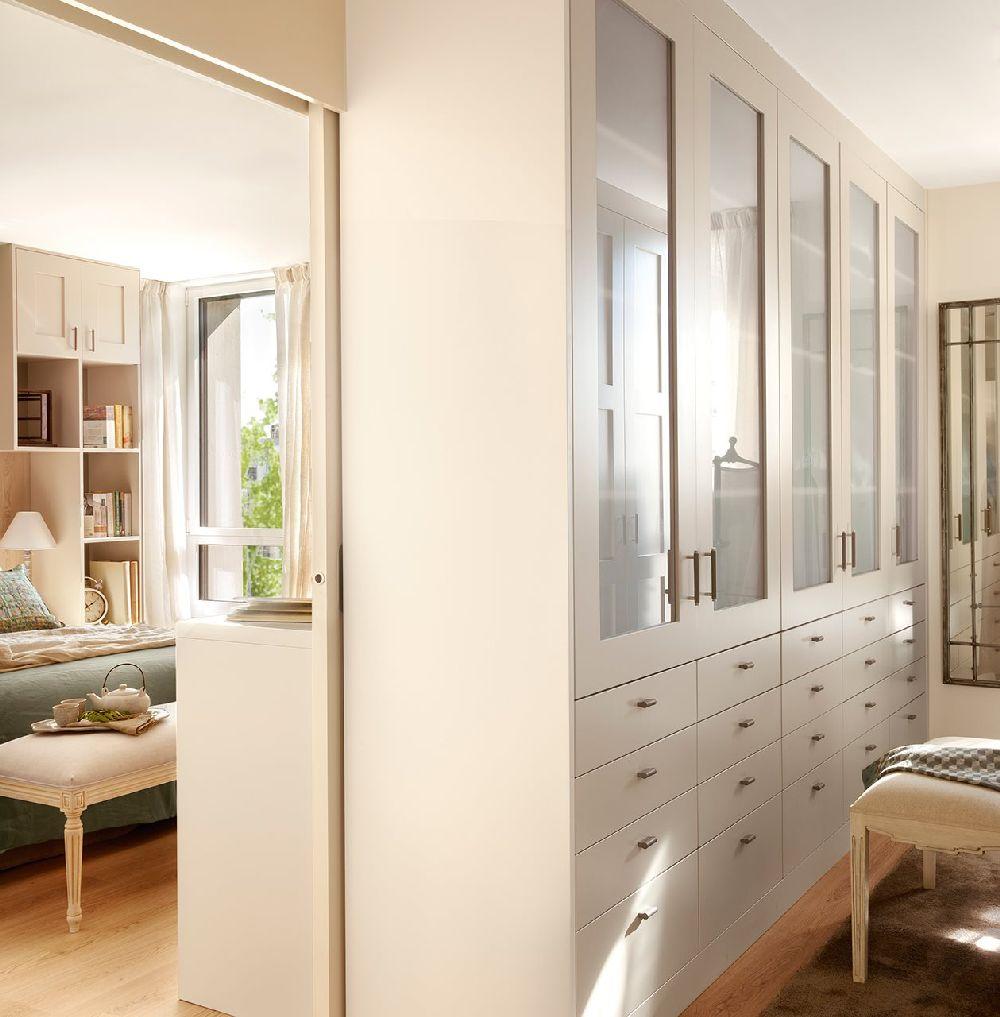 adelaparvu.com despre apartament cu camere separate de usi glisante, designer Pia Capdevila, Foto ElMueble (10)
