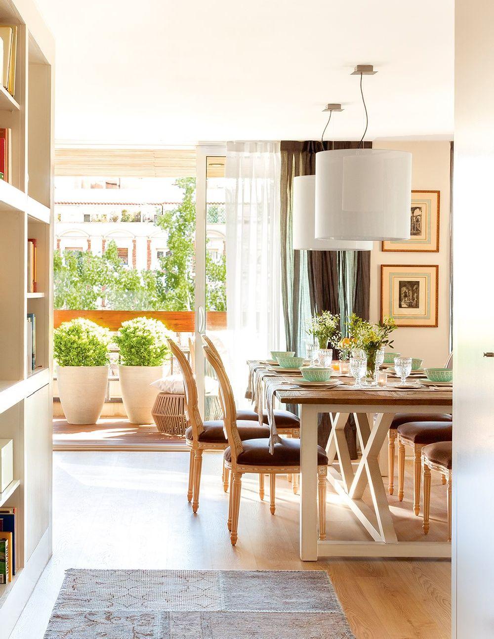 adelaparvu.com despre apartament cu camere separate de usi glisante, designer Pia Capdevila, Foto ElMueble (6)
