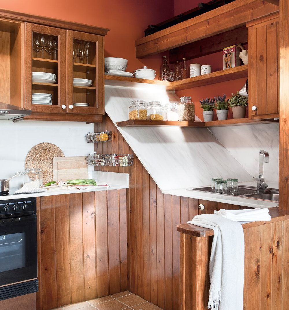 adelaparvu.com despre casa mica de vacanta la munte, design interior proprietara Victoria Villa, Foto ElMueble (1)