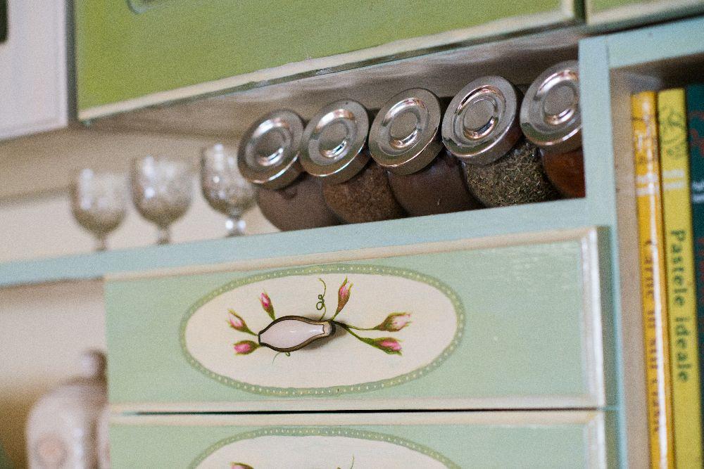 adelaparvu.com despre mobila din lemn pictata, artist Cristina Moldovan, Pictural Decor, Foto Gerry Husti (16)