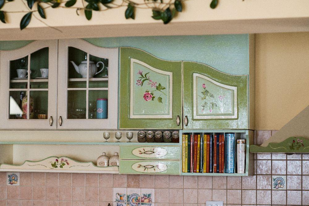adelaparvu.com despre mobila din lemn pictata, artist Cristina Moldovan, Pictural Decor, Foto Gerry Husti (19)