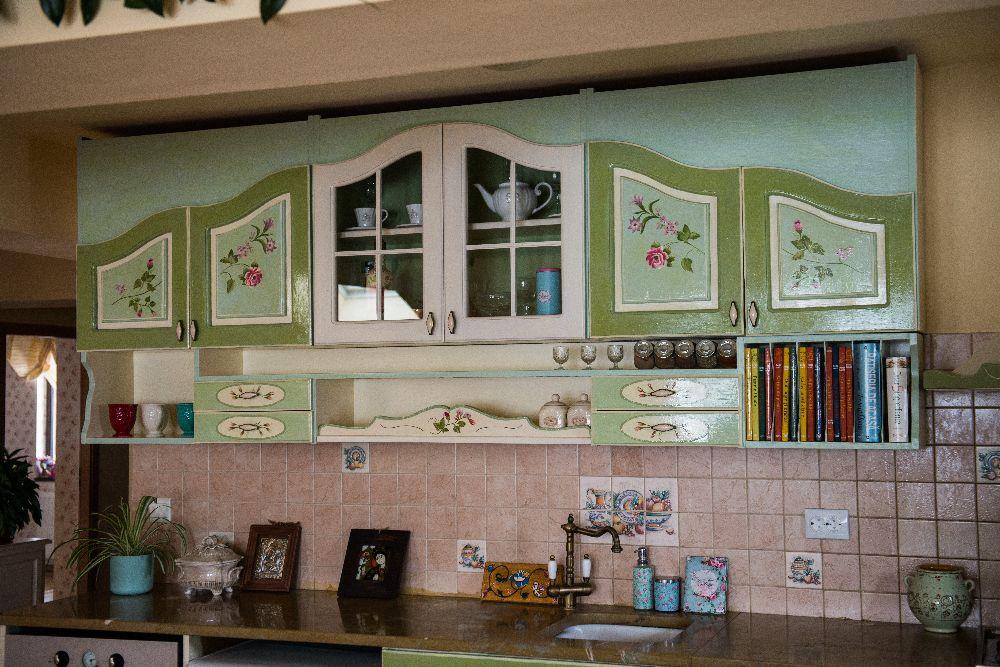 adelaparvu.com despre mobila din lemn pictata, artist Cristina Moldovan, Pictural Decor, Foto Gerry Husti (21)