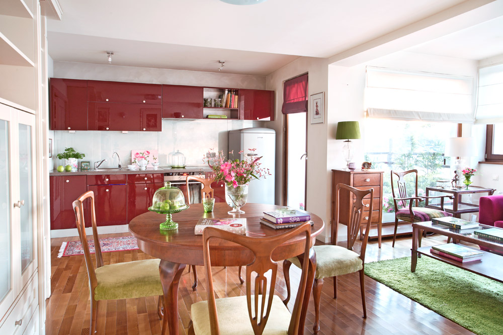 adelaparvu.com despre apartament 2 camere 55 mp, decor in rosu, design Holart Studio (15)