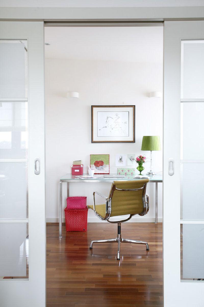 adelaparvu.com despre apartament 2 camere 55 mp, decor in rosu, design Holart Studio (4)