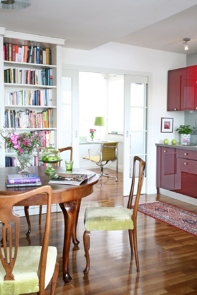 adelaparvu.com despre apartament 2 camere 55 mp, decor in rosu, design Holart Studio (6)