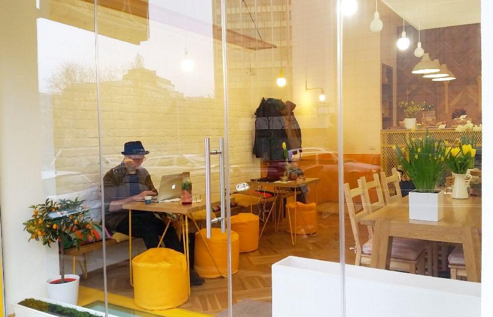 adelaparvu.com despre cafeneaua Arome, Bucuresti, design interior Silvia Diaconu, Bogdan Gogoci (18)