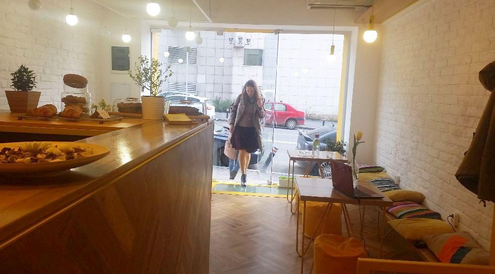 adelaparvu.com despre cafeneaua Arome, Bucuresti, design interior Silvia Diaconu, Bogdan Gogoci (21)