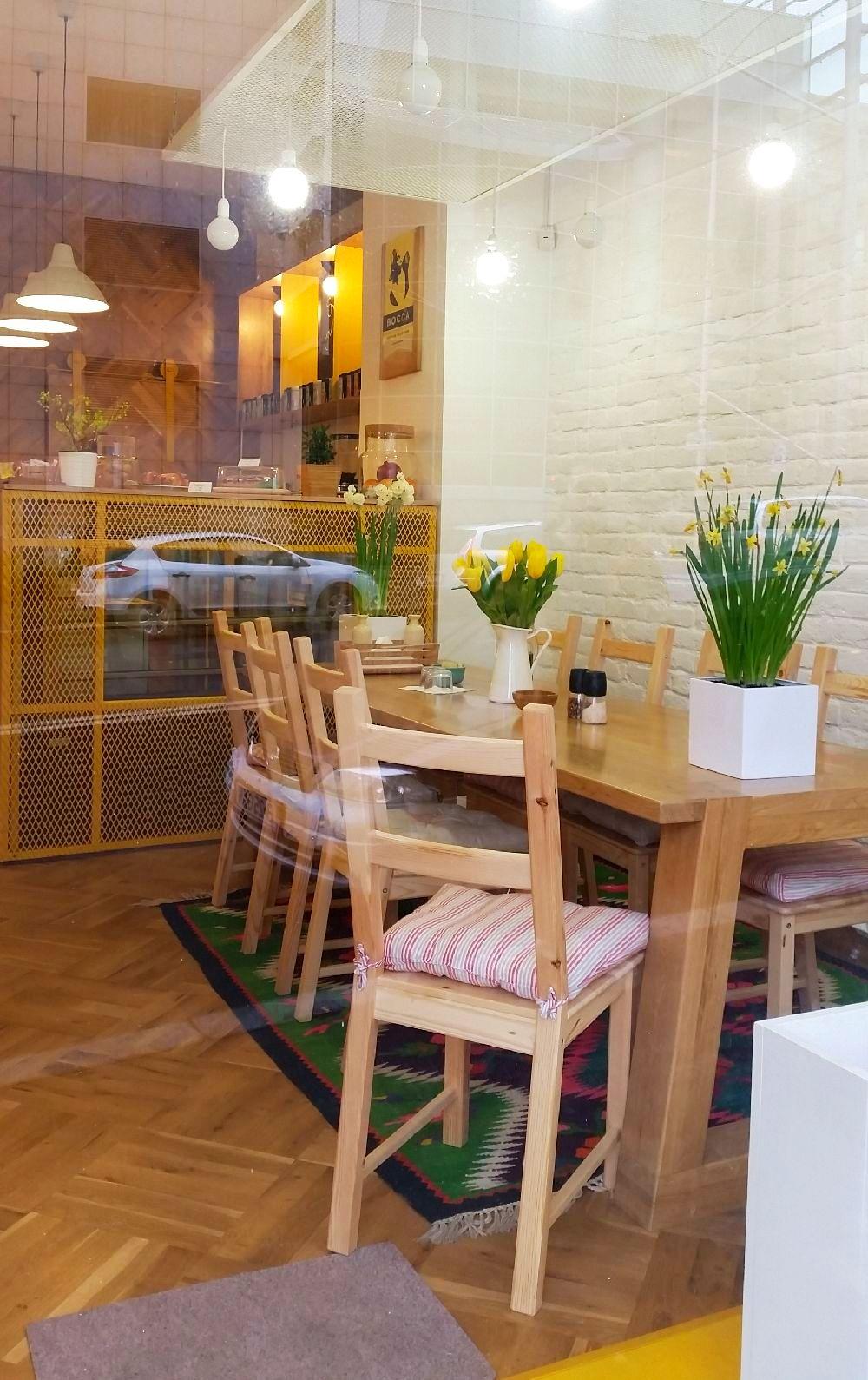 adelaparvu.com despre cafeneaua Arome, Bucuresti, design interior Silvia Diaconu, Bogdan Gogoci (9)