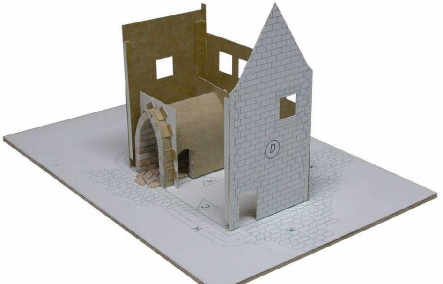 adelaparvu.com despre casa in stil englezesc, casa miniaturala, etape constructie, Atelierul de modelism (3)