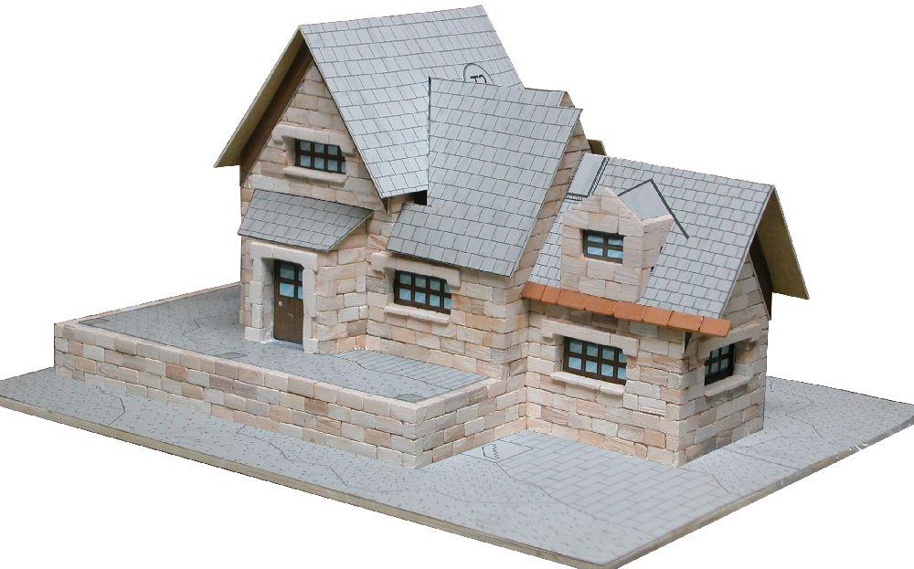 adelaparvu.com despre case miniaturale din ceramica, etape de constructie, Atelierul de modelism (5)