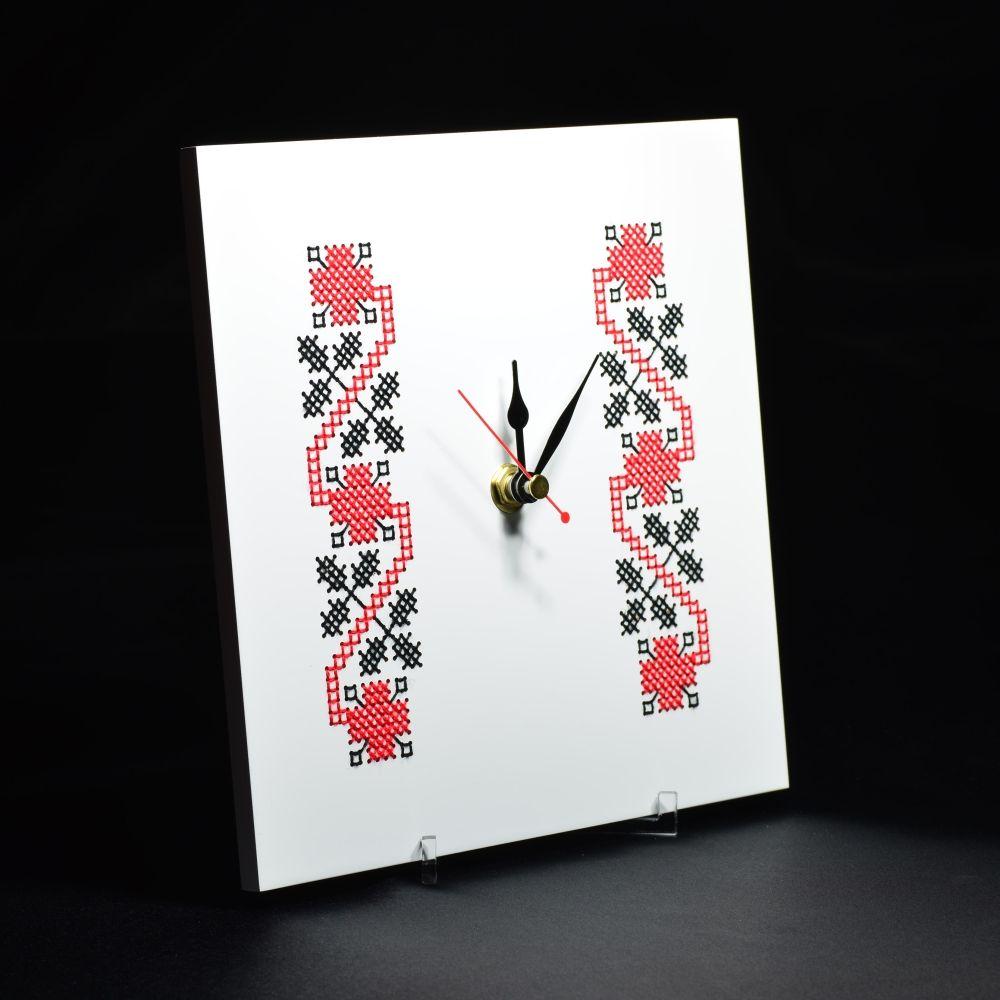 adelaparvu.com despre ceasuri cu motive traditionale romanesti, design Artesis, Gina Bursuc (11)