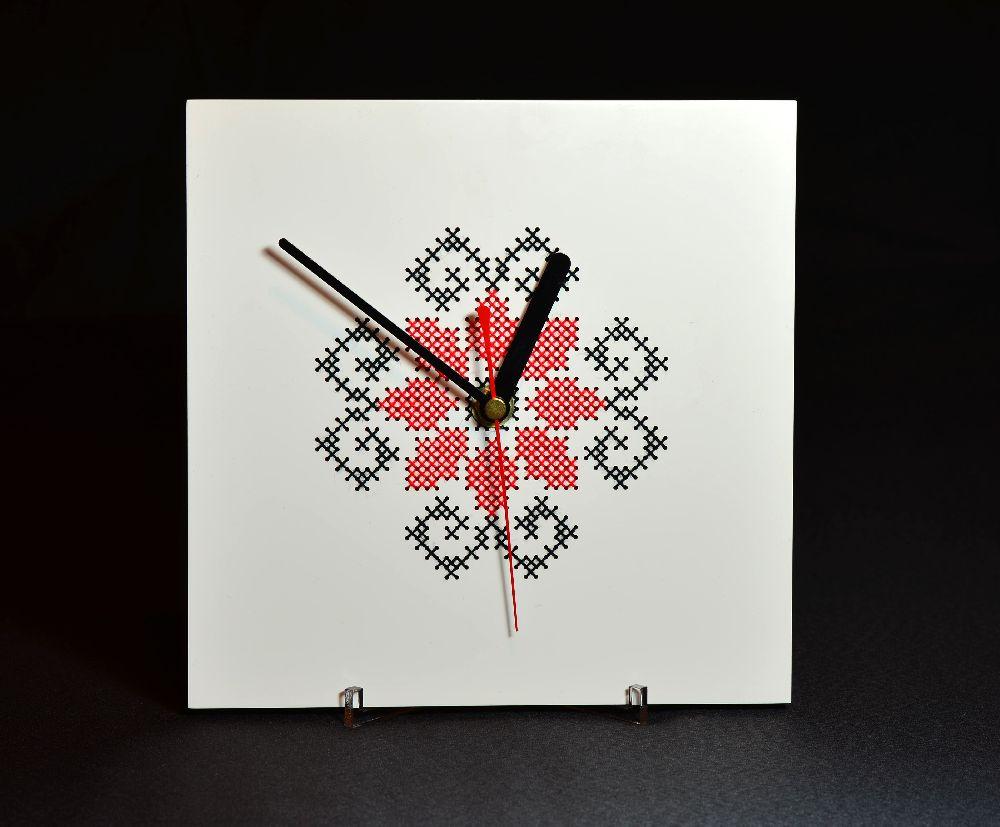 adelaparvu.com despre ceasuri cu motive traditionale romanesti, design Artesis, Gina Bursuc (14)