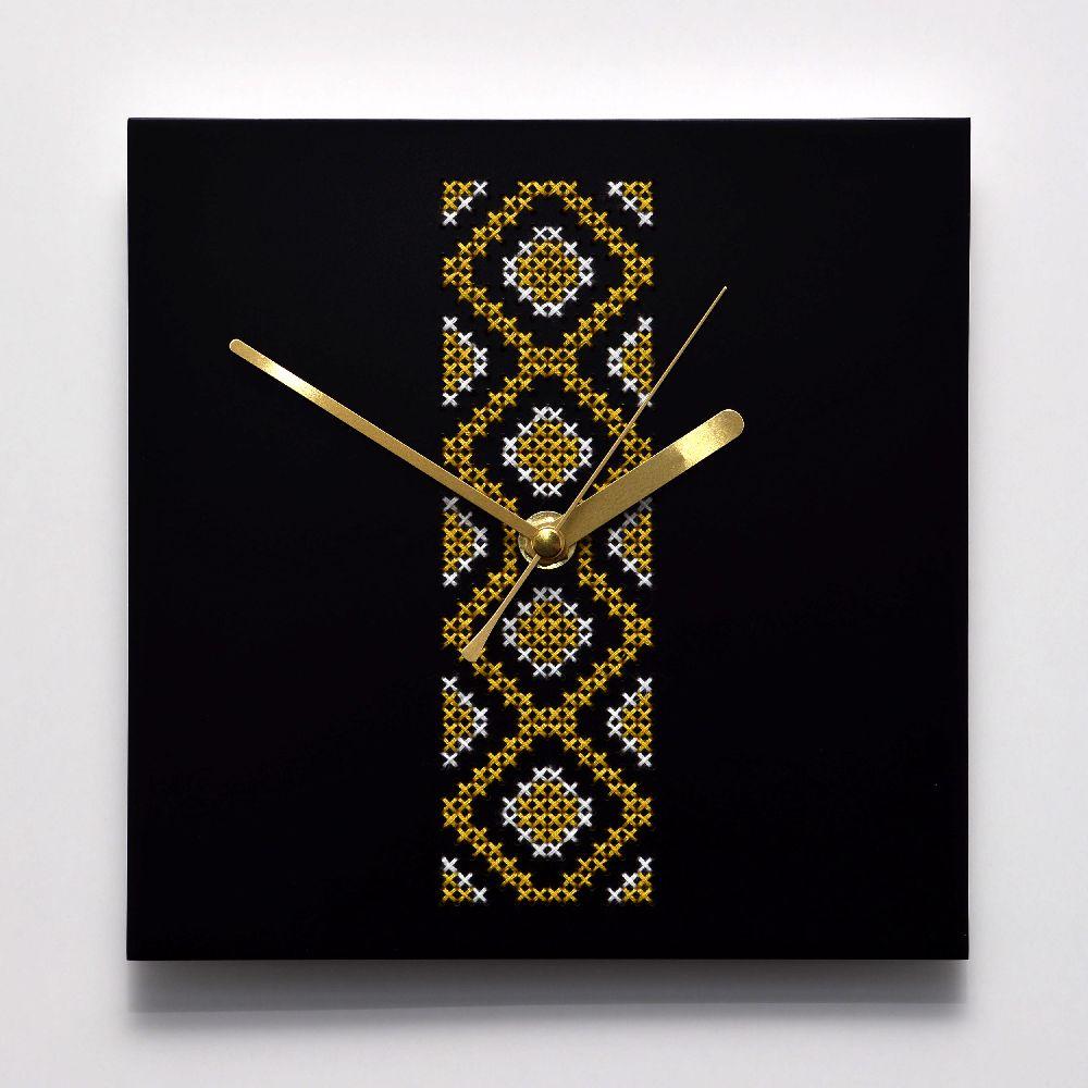 adelaparvu.com despre ceasuri cu motive traditionale romanesti, design Artesis, Gina Bursuc (5)